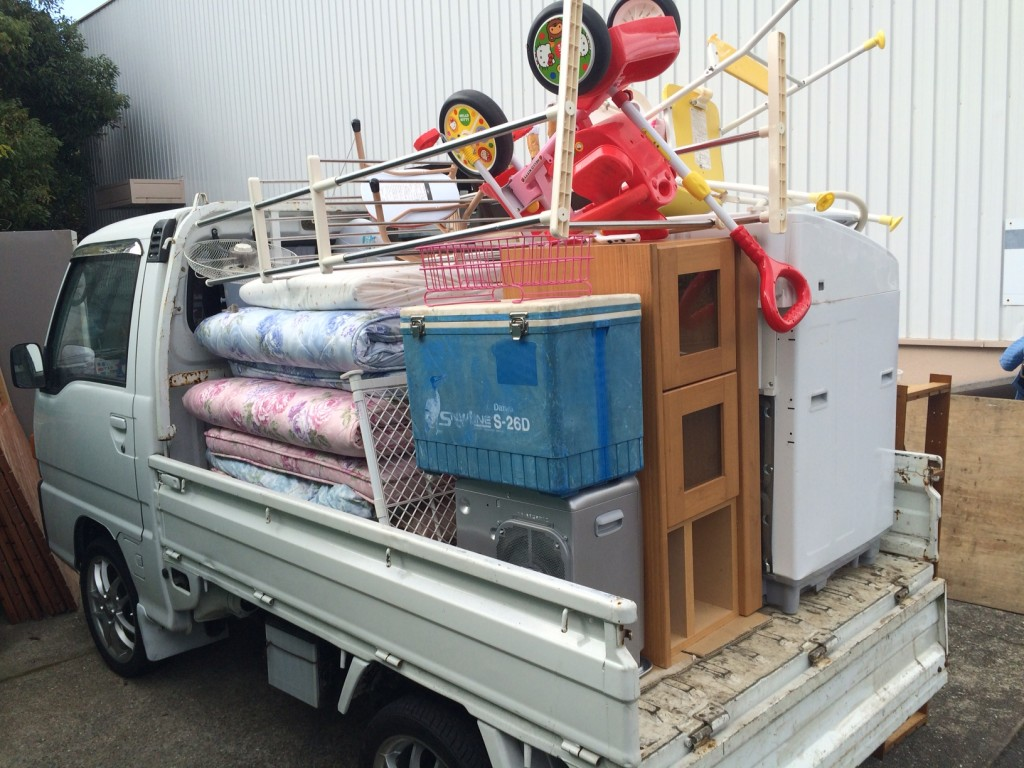 引越しゴミ熊本、ゴミ回収熊本、熊本不用品回収、家具回収熊本、ベット回収熊本、実家の片付け、空き家片付け、ゴミ屋敷熊本