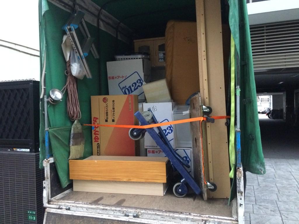熊本不用品回収、実家片付け、部屋片付け、空家片付け、タンス回収、学習机回収、粗大ご
