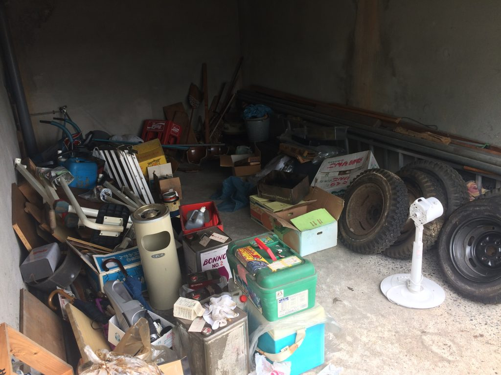 熊本不用品回収、実家片付け、引越しゴミ回収、ごみ屋敷、ゴミ屋敷、車庫片付け、倉庫片付け、
