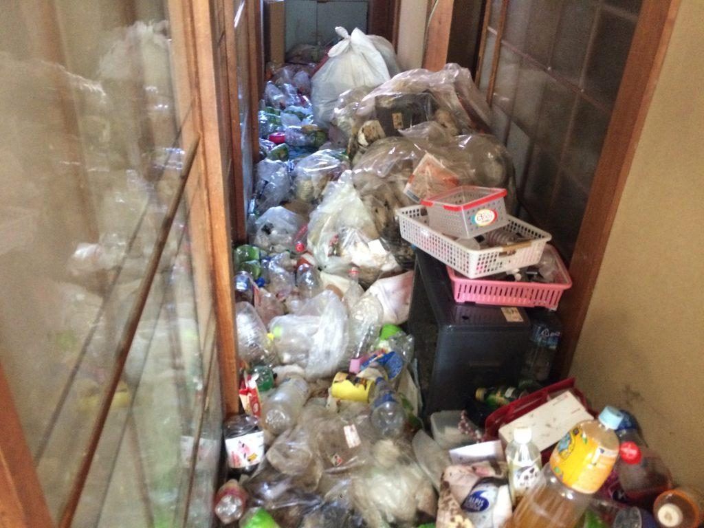 熊本市不用品回収、熊本市ごみ屋敷、熊本市ゴミ屋敷、熊本市部屋の片付け、熊本市実家片付け、