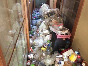 熊本ごみ屋敷、熊本ゴミ屋敷、八代ごみ屋敷、遺品整理、部屋の片付け、汚部屋清掃、生前整理、仏壇供養、タンス回収、粗大ゴミ回収、引越しゴミ回収